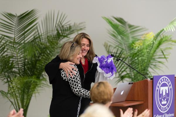 2019 women's conference, speaker receiving gift